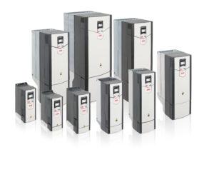 ABB Gli Industrial Drive ACS880, con controllo diretto di coppia (DTC), sono in grado di controllare motori asincroni, sincroni a magneti permanenti e sincroni a riluttanza.