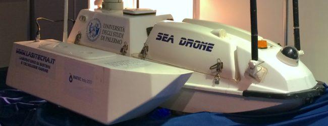Droni acquatici e battelli elettrici per al tutela delle acque marine e bacini idrici