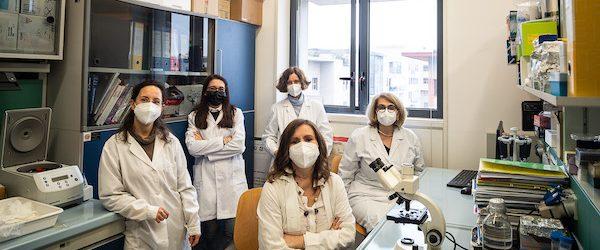 Dall'Università di Milano-Bicocca, la ricerca su batteri mangia-plastica per riciclare i rifiuti organici